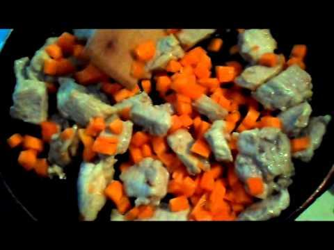 Как приготовить сочную свинину с овощами
