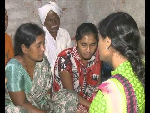 RANGAREDDY: YS Sharmila consoles Allampalli Vekatesham family on 4th Day Photo Image Pic