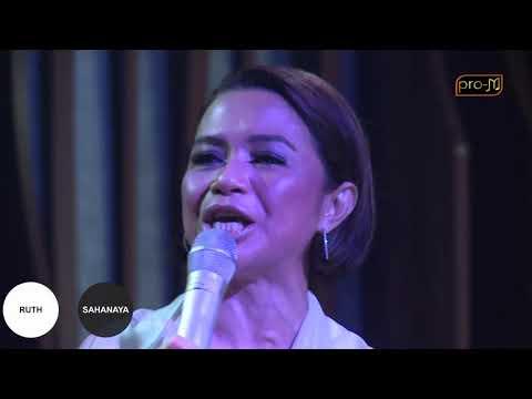 download lagu Ruth Sahanaya - Simfoni Dari Hati (Live Performance) gratis