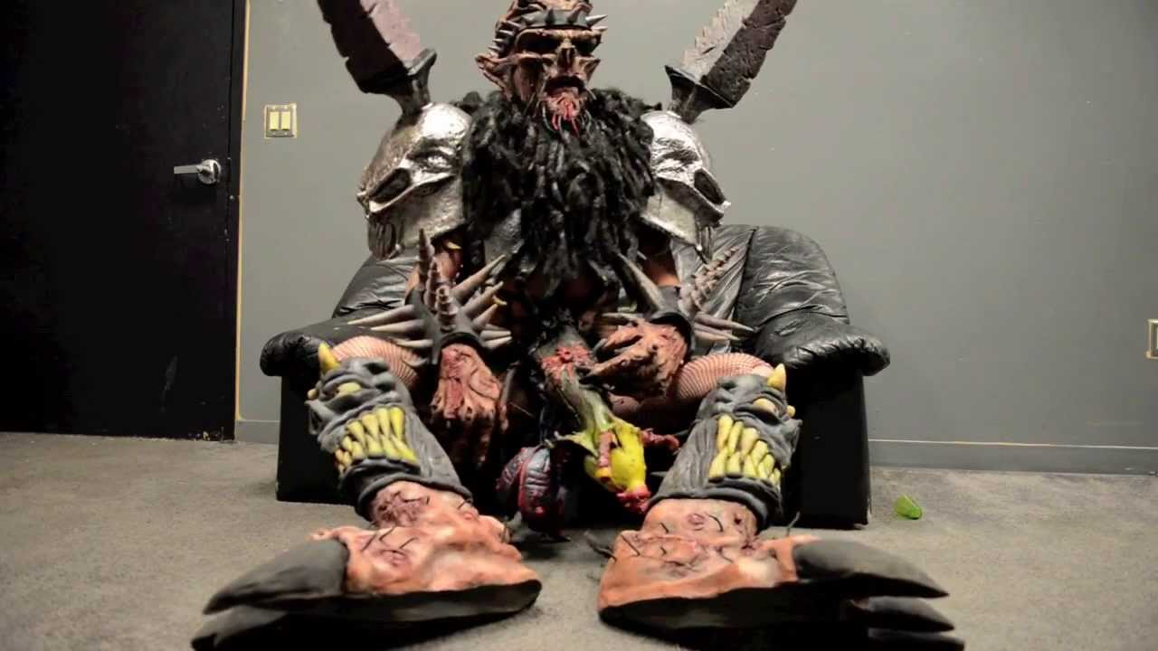 David Murray Brockie August 30 1963  March 23 2014 was a Canadian musician best known as the lead vocalist of the heavy metal band Gwar in which he performed as Oderus Urungus