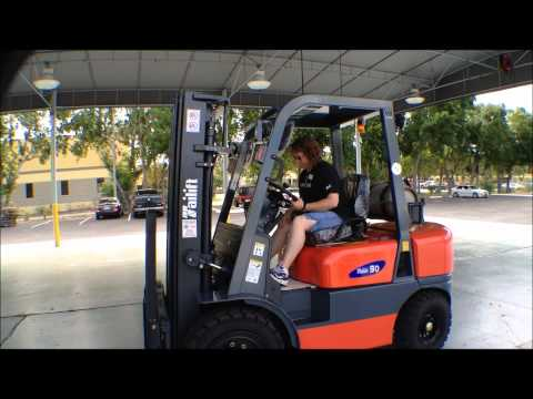 La Mesa RV, West Palm Beach takes delivery of a 6,000Lb Tailift Forklift from Worldwide