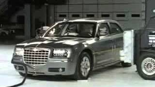 2006 Chrysler 300 - CRASH TEST