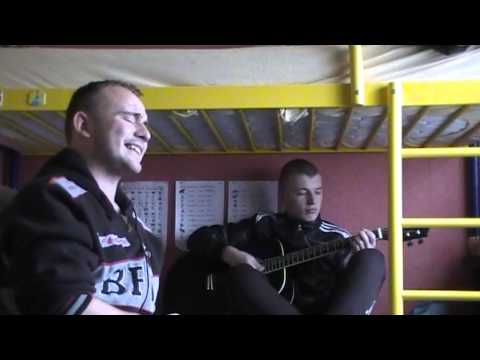 Бумбокс - Вахтерам (cover) парень классно поёт