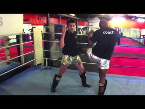 Muay Thai Minute - Bump Sweep - Muay Thai Techniques Image 1