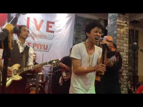 I Won't Give Up - Bisma Karisma, Piyu, dkk at Cafe Joker Medan (09 April 2016) by triskanovira