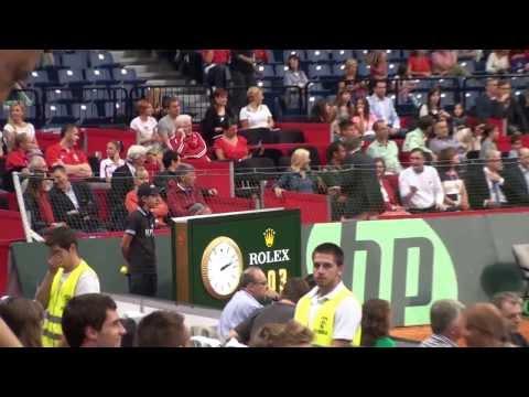 Novak Djokovic vs Milos Raonic in Davis Cup (Serbia - Canada) with BOICI Laurentiu Junior ball boy