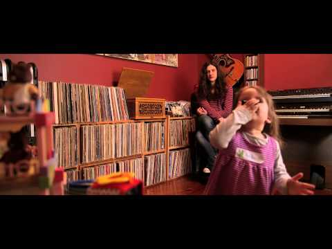 Kurt Vile - &quot;Never Run Away&quot; with intro from Kurt