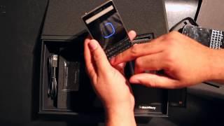 Porsche Design BlackBerry P'9983 Unboxing and Startup Demo