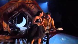 Thompson Square   Are You Gonna Kiss Me Or Not CMA 2011 Performance