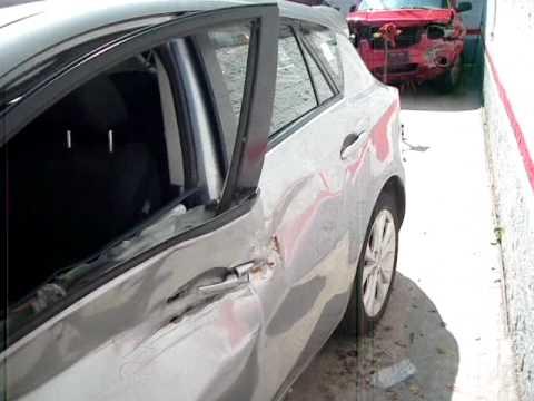 Autos Chocados - Mazda 3 Modelo 2010 AutoComercia