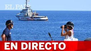 DIRECTO: OPEN ARMS | Diez personas se lanzan al mar