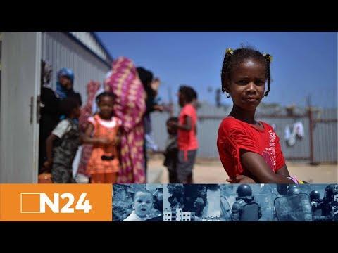 Luftbrücke für Migranten: Italien fliegt erstmals Flüchtlinge aus Libyen aus