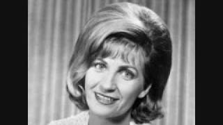 Watch Skeeter Davis How Much Can A Lonely Heart Stand video