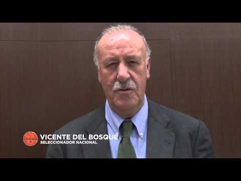 Vicente del Bosque dedica su bigote a Movember