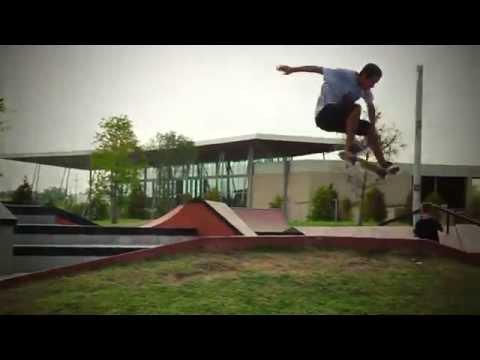 Beautiful Mountain Skatepark - Beaumont, Texas Skate Plaza