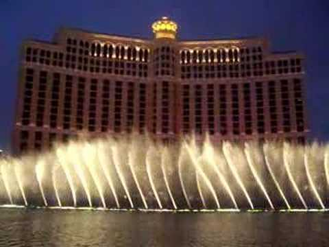 Bellagio fountain show - My heart will go on - Celine Dion
