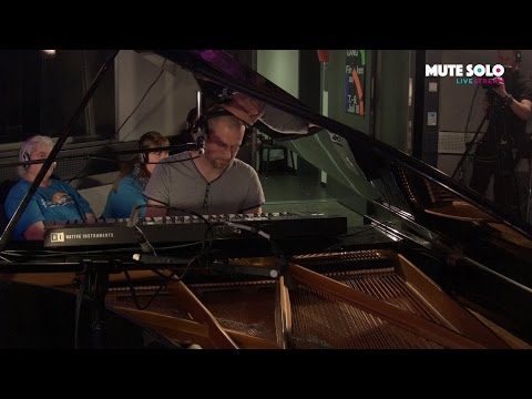No way out - live at MUTE SOLO streaming vf