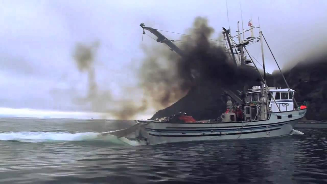 Purse seining alaska youtube for Purse seine fishing