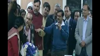 Delhi: BJP leader Manoj Tiwari files complaint against CM Arvind Kejriwal