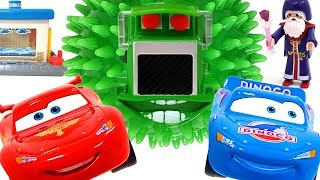 Disney Car Lightning McQueen is chased by the magic ball of the wizard! ❤️ Rachaman Toy