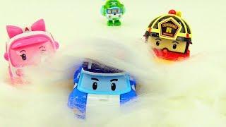 Robocar Poli toys. Cars in snow.