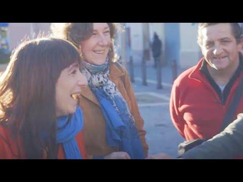 Julie de Muer parcourt les rues de Marseille afin de raconter l'Histoire de la ville au travers des sons, des voix et des histoires qu'elle recueille. Partez...