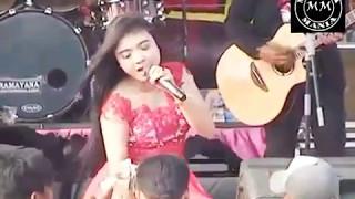 download lagu LUSIANA SAFARA   DASI DAN GINCU   gratis