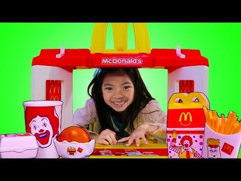Emma Pretend Play w/ MCDONALDS Toy & Fun Garage Sale