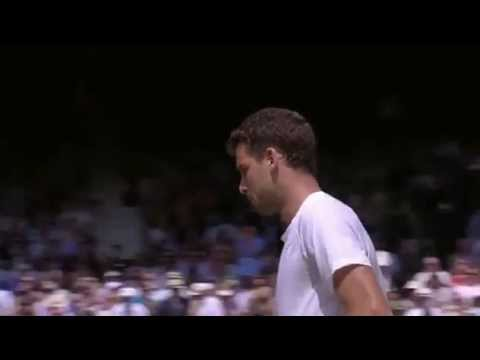 Dimitrov takes the second set v Murray - Wimbledon 2014