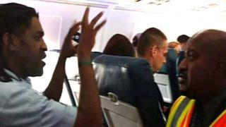 Delta passenger kicked off flight … for using restroom