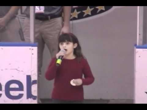 Hockey Crowd Sings After 8-year-old's National Anthem Glitch (video)