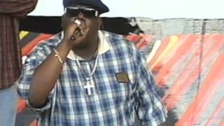 Notorious B.I.G. Throws Water Bottle At Big Kap