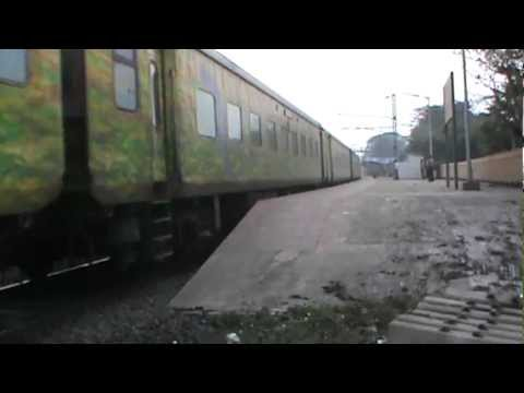 Crazy Wap-4 Heading Ypr Duronto Blasts Through Kulgachia Giant Curve video