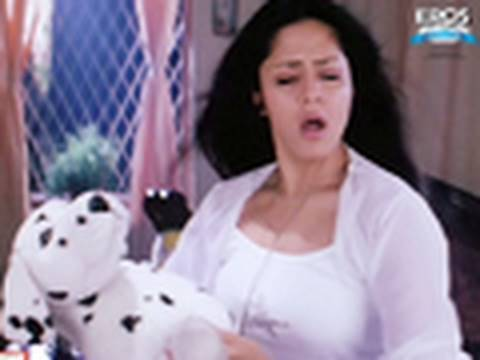 Jyothika Dancing And Undressing - Meri Jung: One Man Army video