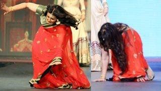 Poonam Dhillon FALLS On The Ramp : EXCLUSIVE