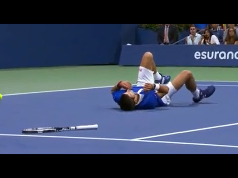 Federer makes Djokovic fall - US Open final 2015