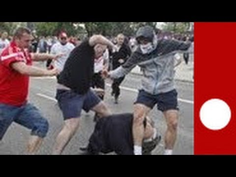 image vidéo Euro : violentes bagarres entre hooligans polonais et supporteurs russes