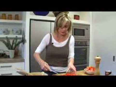 Annabel Langbein – Moroccan Chickpea and Chicken Salad
