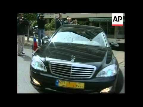 Russian, UN envoy try to break impasse over Hariri tribunal