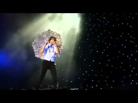 Mika - I See You (Bercy 2010)