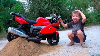 Mini Pocket Bike stuck in the Sand \ Kidscoco Club Kids Ride On power Wheels BMW Sportbike