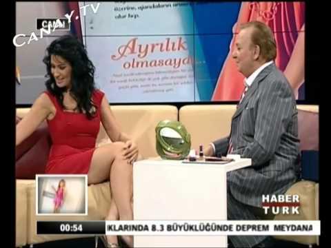 �clal Ayd�n Mini Etek, Bacak Show
