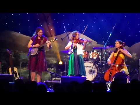 Harpeth Rising-Stairway To Heaven instrumental @ National Folk Festival, 2017.