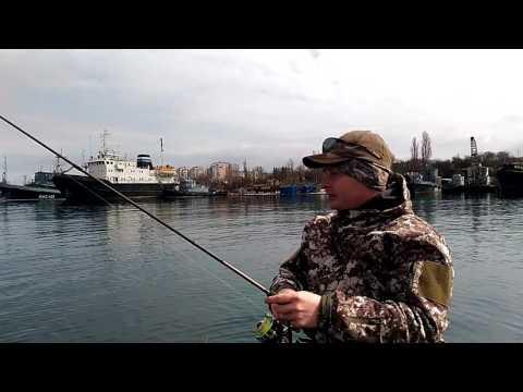 морская рыбалка в утесе