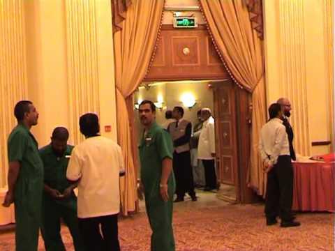 Dilip Kumar And Saira Banu Visit To Madinah video
