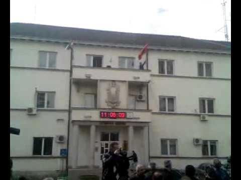 28 nentori 2010, Vurja e flamurit në Komunën e Bujanocit - bujanoci.info
