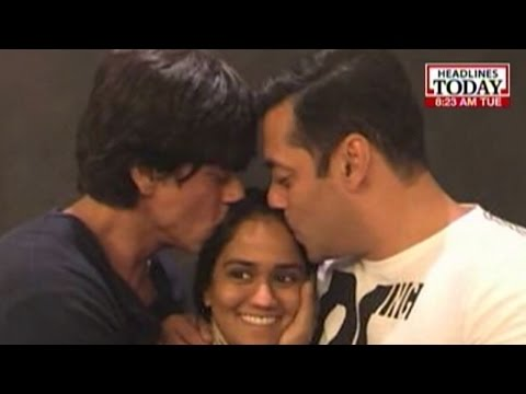 Shah Rukh Khan and Salman Khan hug and make up