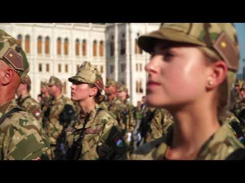 Katonai eskütétel augusztus 20-án