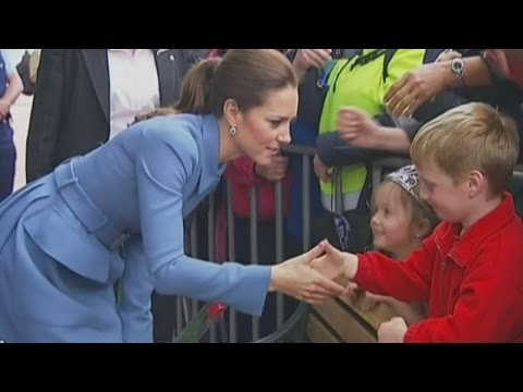 Kate meets crowds in Blenheim on royal tour of New Zealand