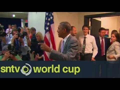 Football fever grips American President Barack Obama